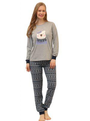 Γυναικεία πυτζάμα Bear Galaxyαπόαγνό βαμβακερό ύφασμα.Μπλε εμπριμέ παντελόνι με μαλακό λάστιχο στη μέση για άνετη εφαρμογή. Γκρι μπλουζάκι με σχέδιο Catμπροστά.Ανθεκτικό προϊόν από ανεξίτηλα χρώματα για μεγαλύτερη αντοχή στον χρόνο, ιδανικό για καθημερινή χρήση και συχνό πλύσιμο.Από τη συλλογήhomewareμε την υπογραφή της ελληνικής εταιρείας Galaxy.